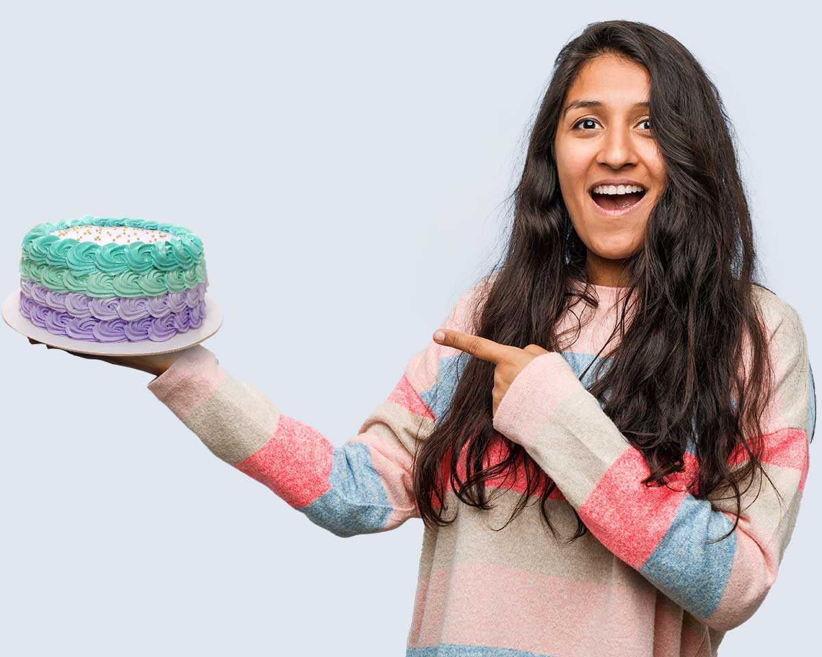 Send Your Love With The Online Midnight Cake Delivery
